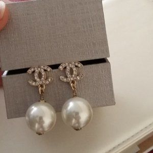 ****SOLD**** Authentic Chanel pearl earrings